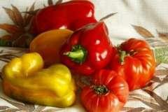 """Вкусные рецепты: салат из яблок, Селедка в """"лисьей"""" шубе, Пасхальный кулич"""